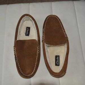 NWOT Clarks Mens Slippers Leather Upper Size 11M